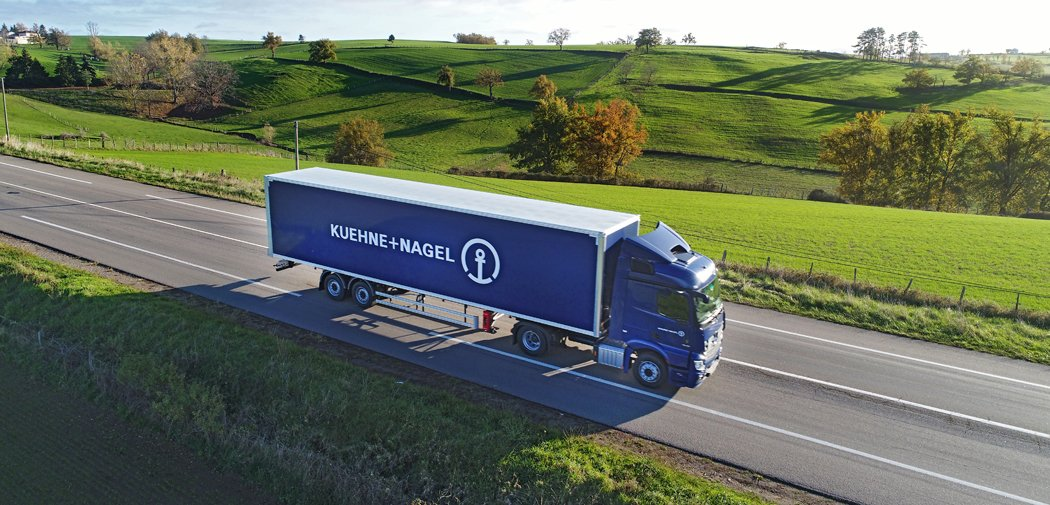 Kuehne+Nagel France equips its entire fleet of trucks with the Trimble telematics solution